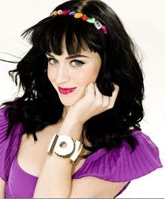 katy perry in wow disaya bangle
