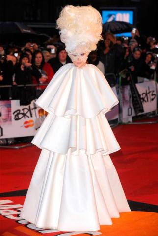 Lady Gaga steals the show at the BRIT Awards 2010 | Self ...: http://selfserviceuk.wordpress.com/2010/02/17/red-carpet-winners-and-losers-at-the-brit-awards-2010/