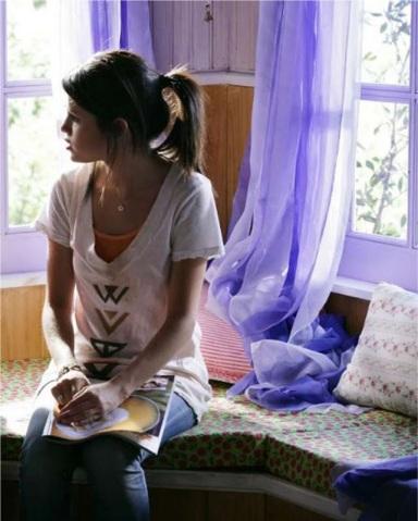Selena Gomez - Indian Brave - Wildfox (2)