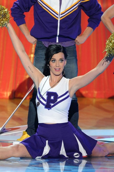 2010 Teen Choice Awards hosted by glee cast and Katy Perry