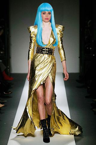 Balmain aw 2010 gold dress Katy Perry1