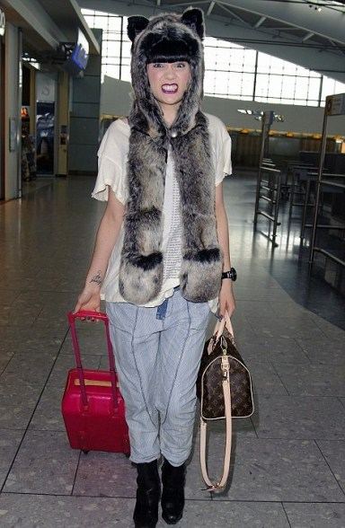 Jessie J in bear SpiritHoods and wildfox tee