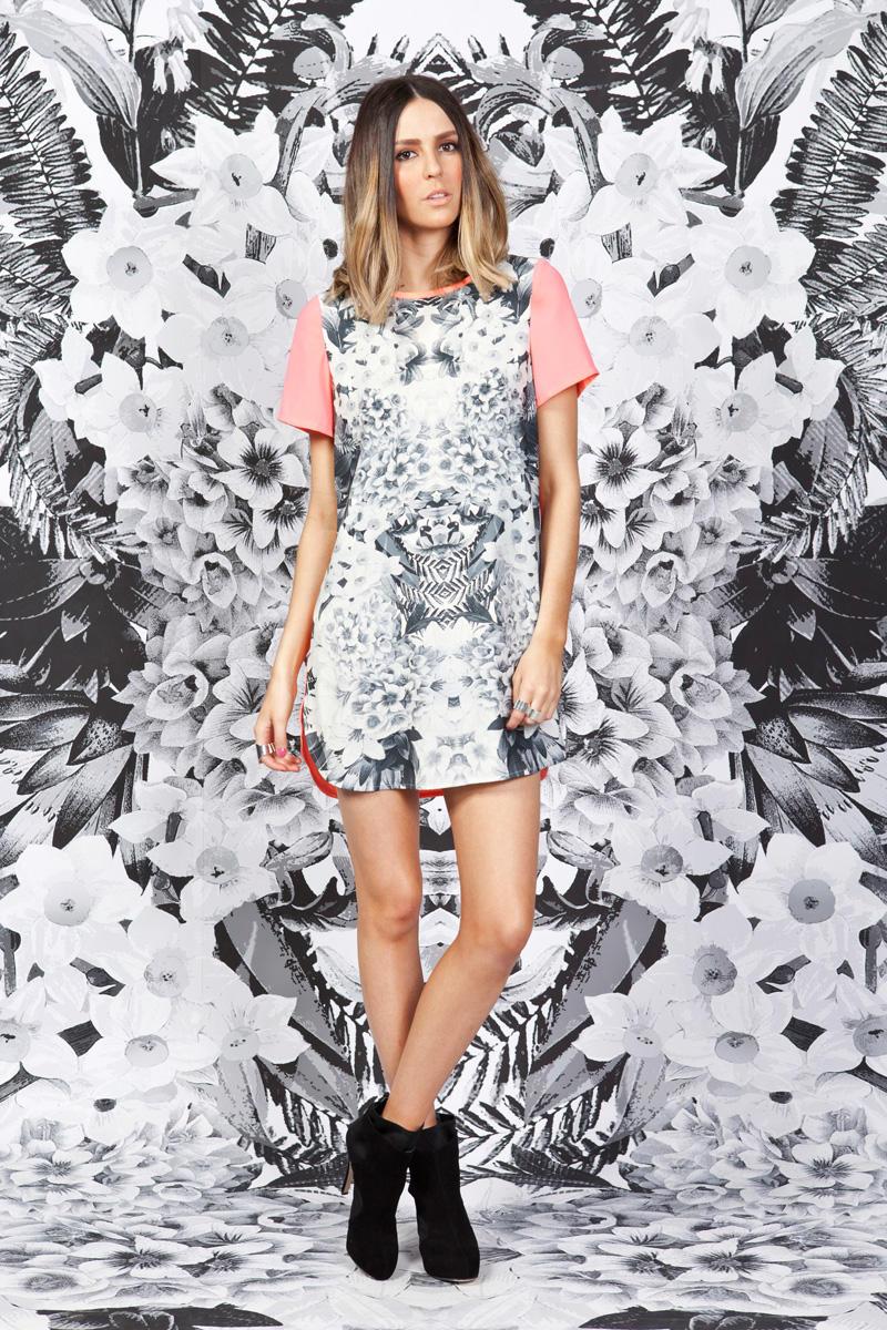 Finders Keepers Secret Garden T-shirt dress monochrome print 2