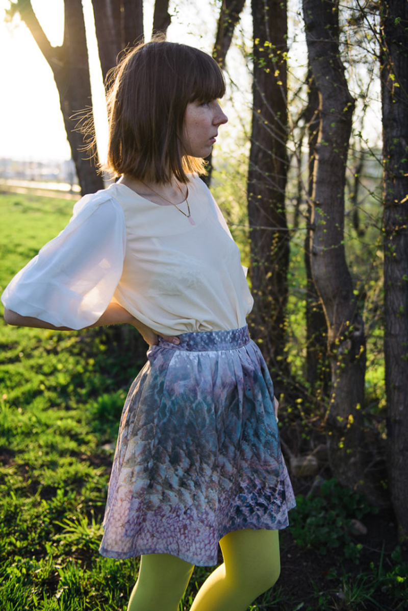 kittenhoods in stylestalker skirt