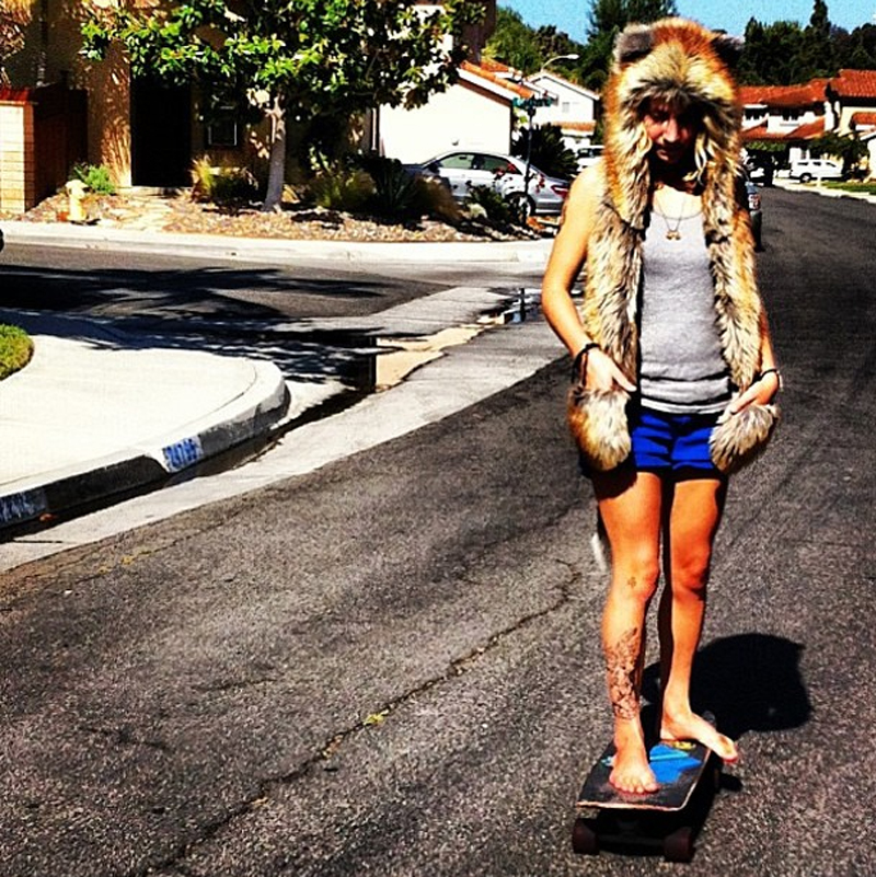 @lunimazeus in spirithoods red fox on skateboard