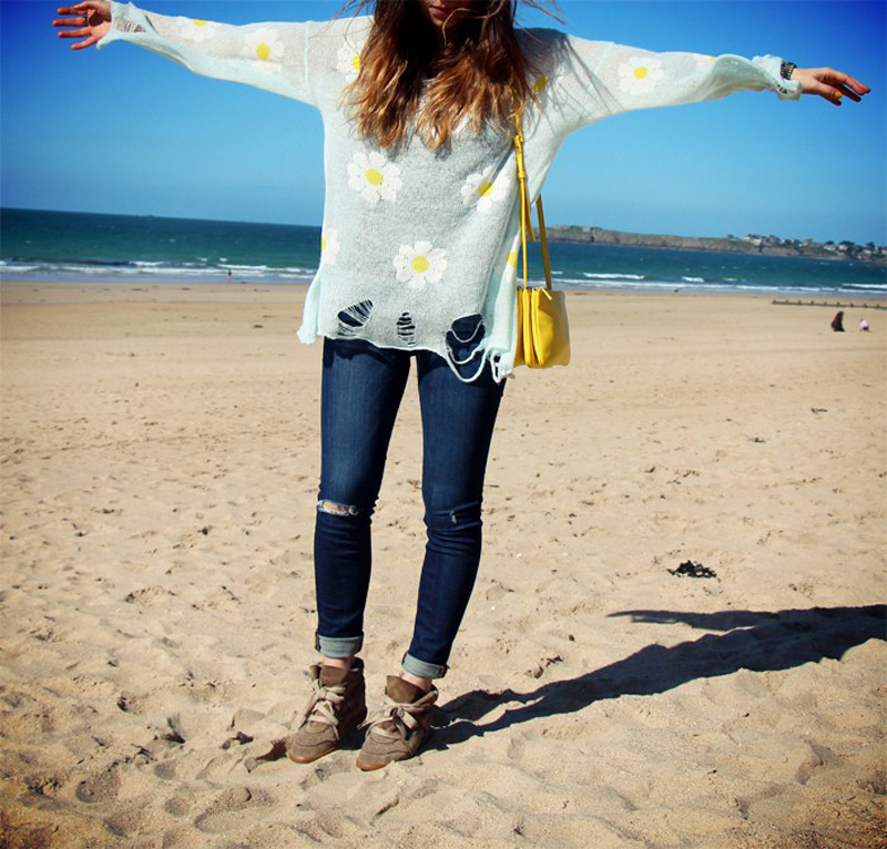 marie luv pink fashion blog WILDFOX daisy jumper beach