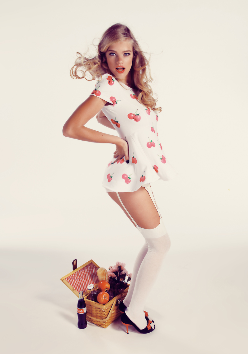 WILDFOX_SUMMER_13_PINUP hello sailor 256