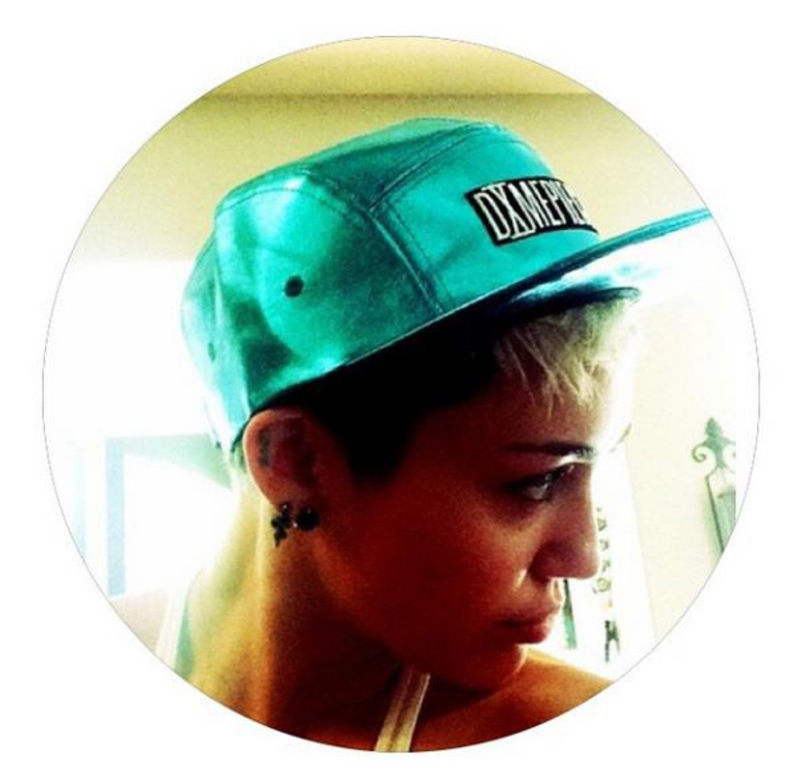 miley cyrus in dimepiece cap zodiac blue 5 panels