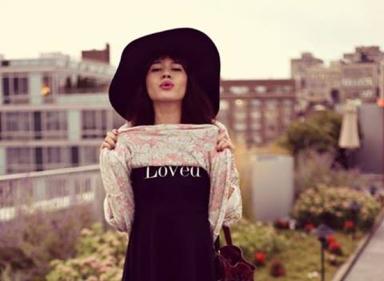 natalie-suarez-wildfox-neo-daisy-roadie-sweater-and-loved-joan-dress