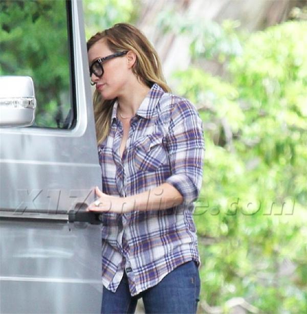 Hillary Duff wearing Genetic