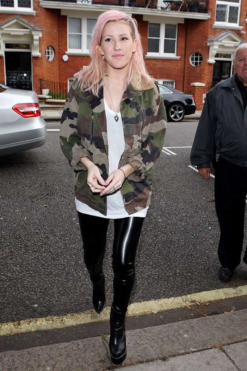 Ellie stepped out of the Glamour studio wearing the LNA Lisbeth Leggings again
