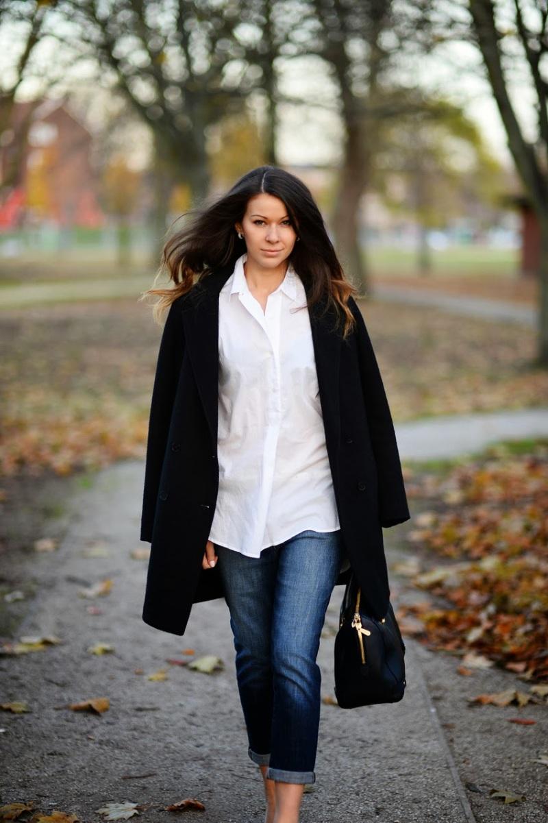 Julia Shutenko in the Wildfox Denim Marissa boyfriend jeans