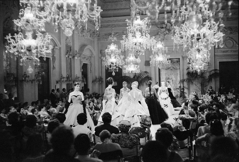 Sala-Bianca-1955-Giorgini-Archive_1000px