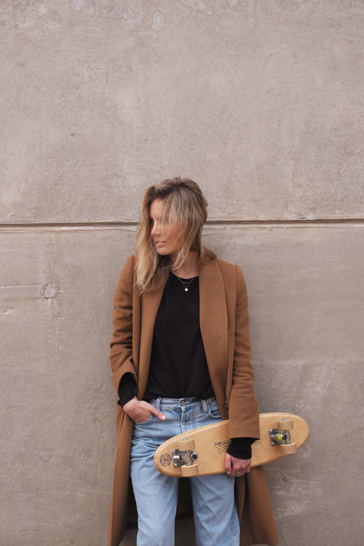 Lucy from Fashion Me Now wearing the LNA Basic Long Sleeve Crew Neck Tee