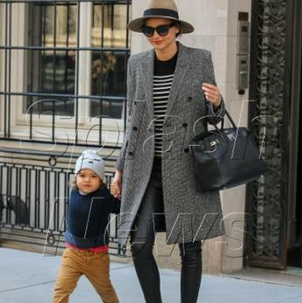 Miranda Kerr in the Shya black leather pants from Genetic